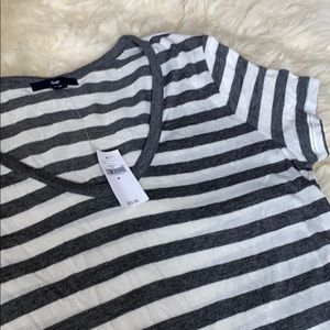 Gap grey and white striped vneck tshirt BNWT